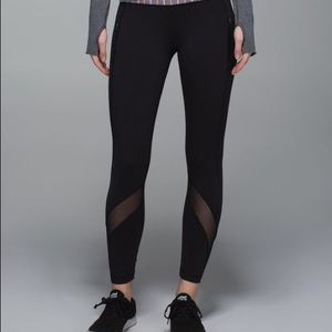 Black Lululemon Inspire leggings 7/8, size 12